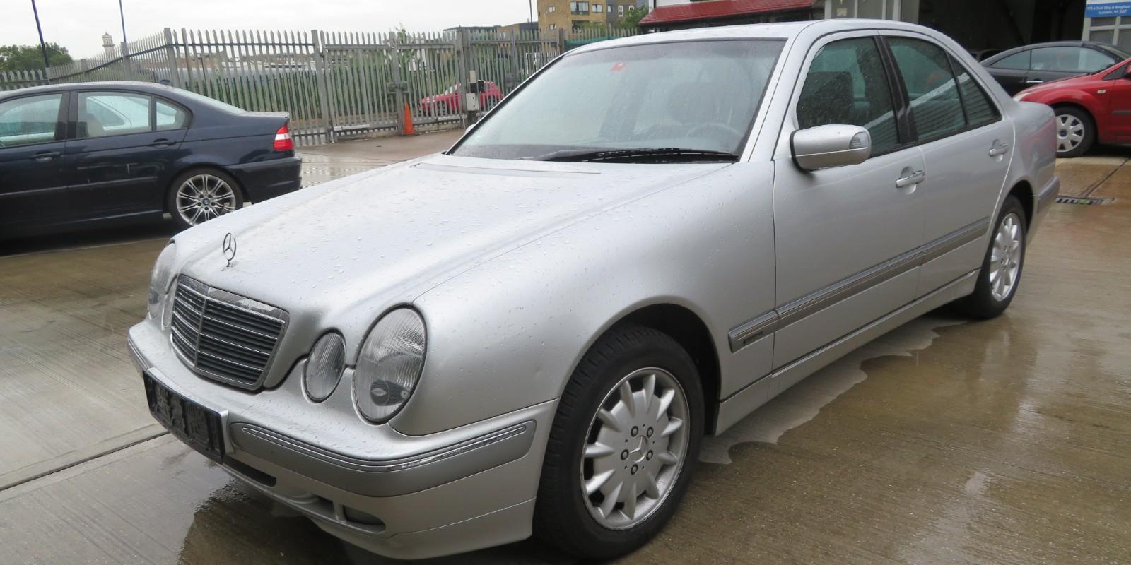 Mercedes E240 Elegance
