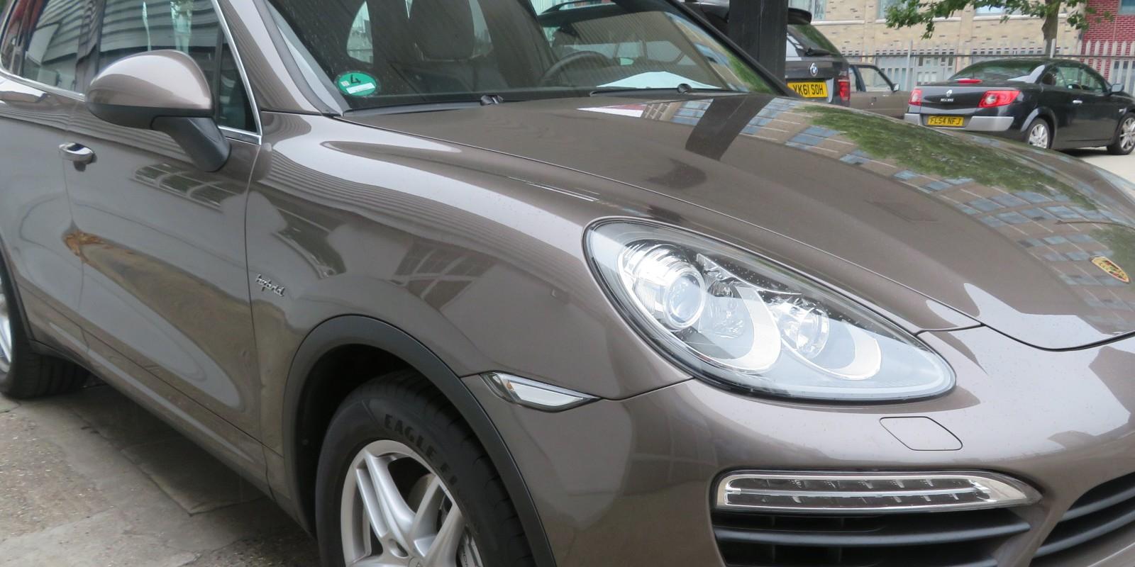 LHD Porsche Cayenne S HYBRID